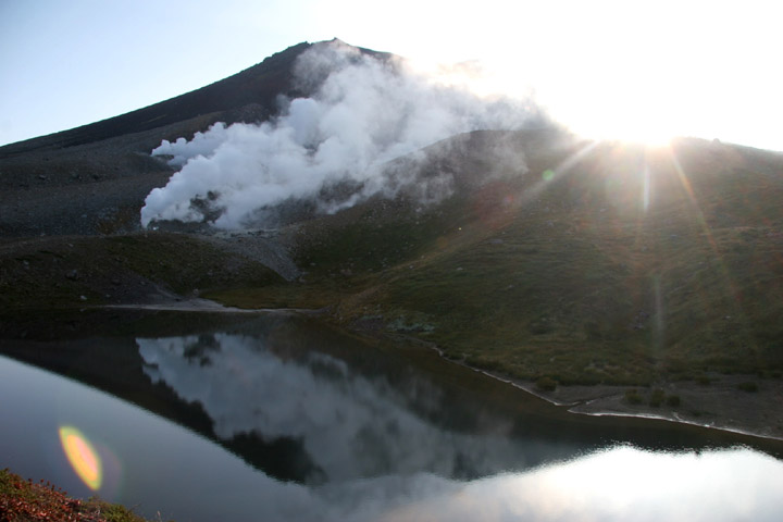 朝日が登る旭岳