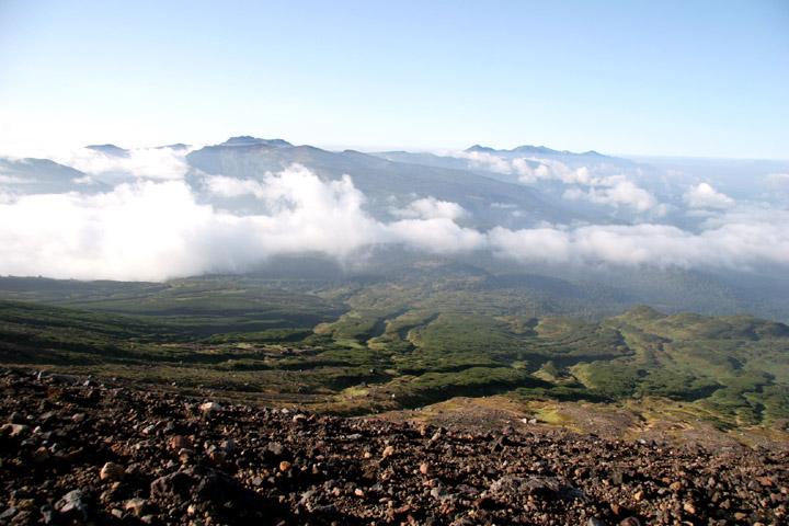 美しいすそ野とトムラウシと十勝岳連峰