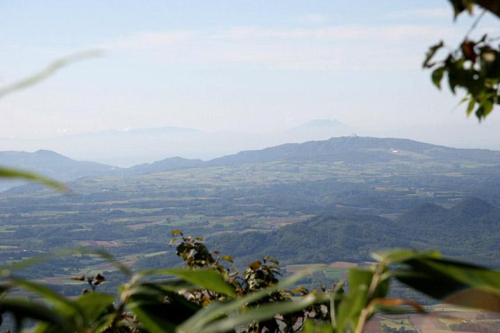 駒ケ岳がうすーく見えるよ