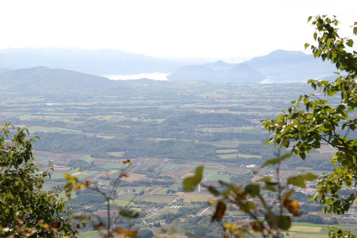 洞爺湖と中島昭和新山も見えるよ!